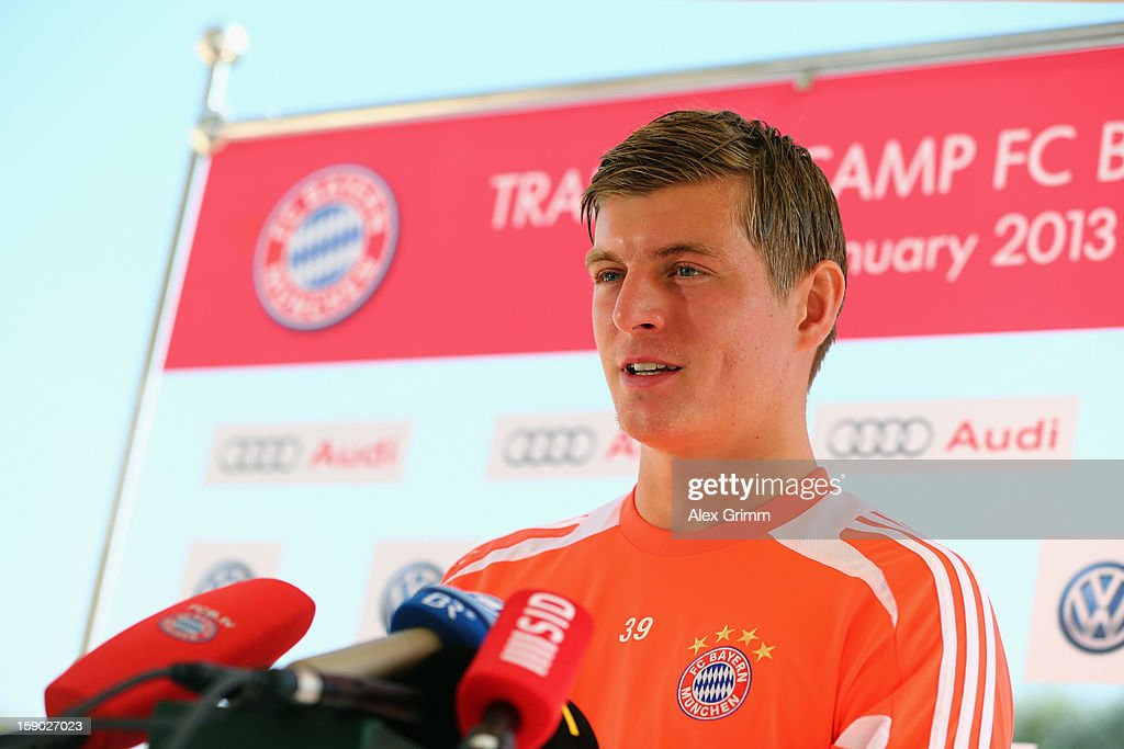 <a gi-track='captionPersonalityLinkClicked' href=/galleries/search?phrase=Toni+Kroos&family=editorial&specificpeople=638597 ng-click='$event.stopPropagation()'>Toni Kroos</a> talks to the media during a Bayern Muenchen press conference at the Grand Heritage Hotel on January 6, 2013 in Doha, Qatar.