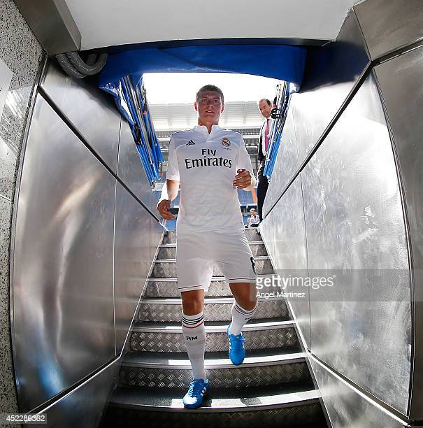 Toni Kroos walks into the tunnel during his official unveiling as a new Real Madrid player at Estadio Santiago Bernabeu on July 17 2014 in Madrid...