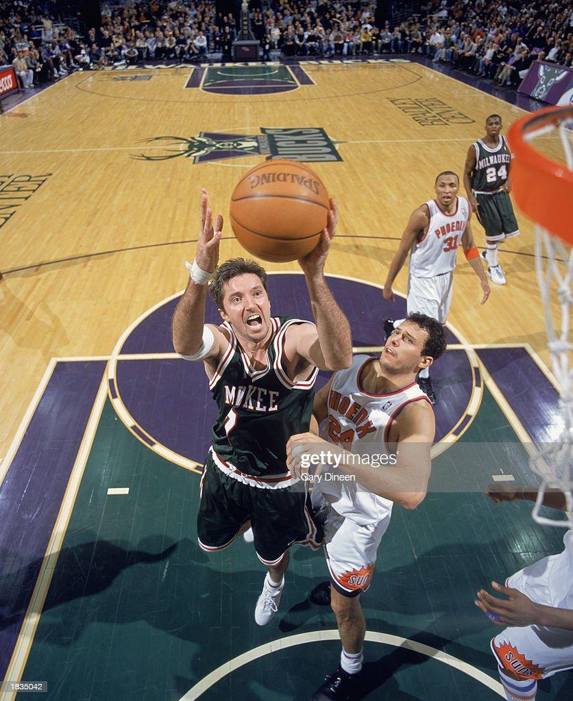 Fotos e imagens de Phoenix Suns v Milwaukee Bucks