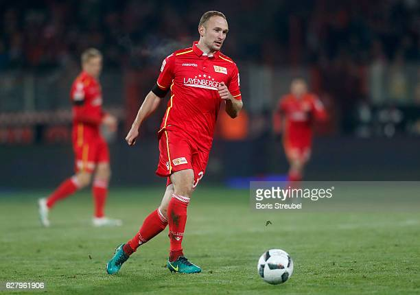 Toni Leistner of Union Berlin runs with the ball during the Second Bundesliga match between 1 FC Union Berlin and Eintracht Braunschweig at Stadion...