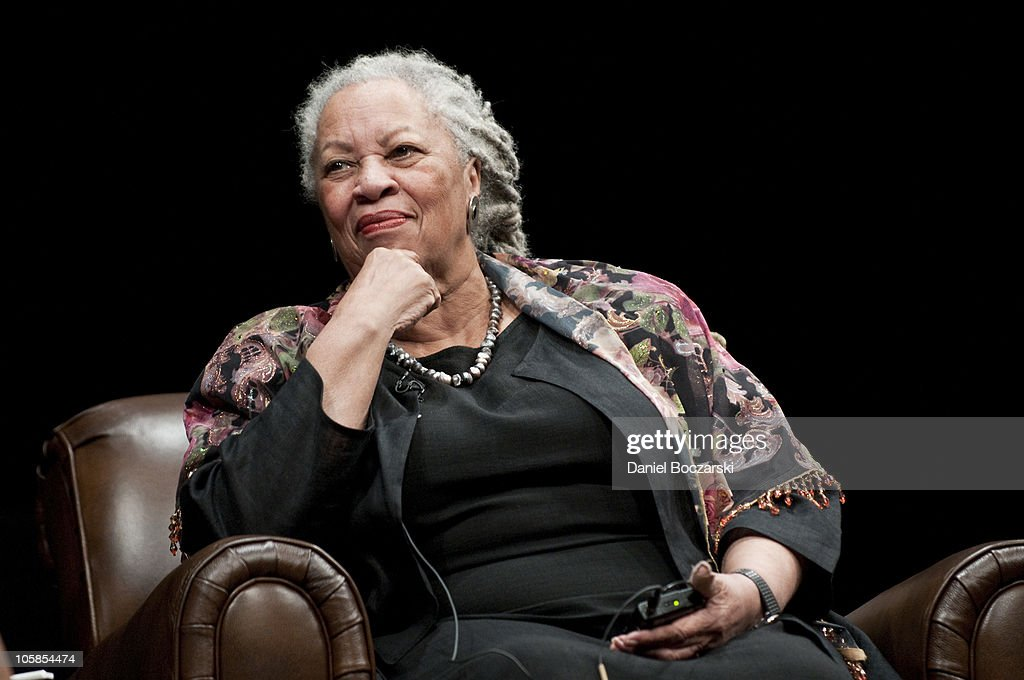 <a gi-track='captionPersonalityLinkClicked' href=/galleries/search?phrase=Toni+Morrison&family=editorial&specificpeople=213946 ng-click='$event.stopPropagation()'>Toni Morrison</a> attends the Carl Sandburg literary awards dinner at the University of Illinois at Chicago Forum on October 20, 2010 in Chicago, Illinois.