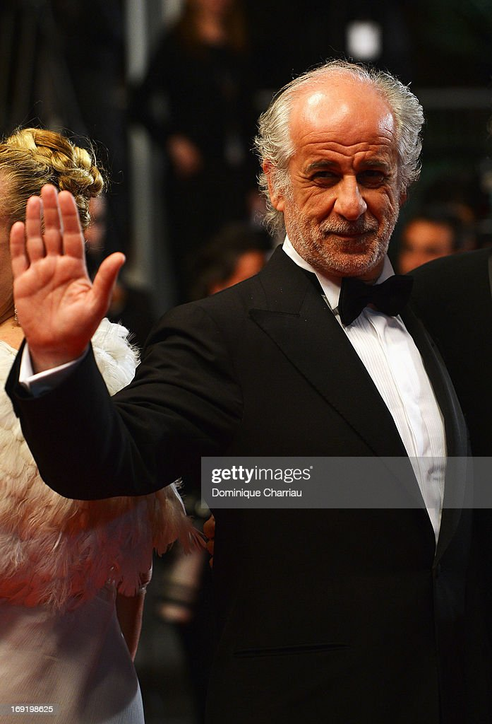 <a gi-track='captionPersonalityLinkClicked' href=/galleries/search?phrase=Toni+Servillo&family=editorial&specificpeople=3035146 ng-click='$event.stopPropagation()'>Toni Servillo</a> attends the Premiere of 'La Grande Bellezza' (The Great Beauty) during The 66th Annual Cannes Film Festival at Palais des Festivals on May 21, 2013 in Cannes, France.