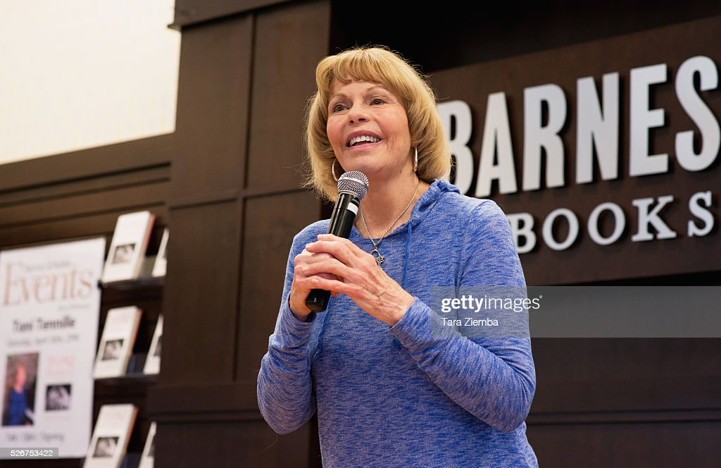 Toni Tennile discusses her new book 'Toni Tennille: A Memoir' at Barnes & Noble at The Grove on April 30, 2016 in Los Angeles, California.