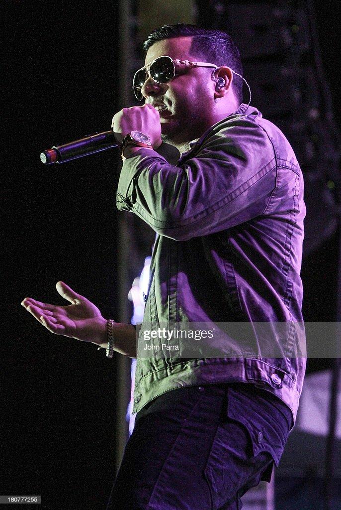 Tono Rosario performs at Zolazo concert at Bayfront Park Amphitheater on September 15, 2013 in Miami, Florida.