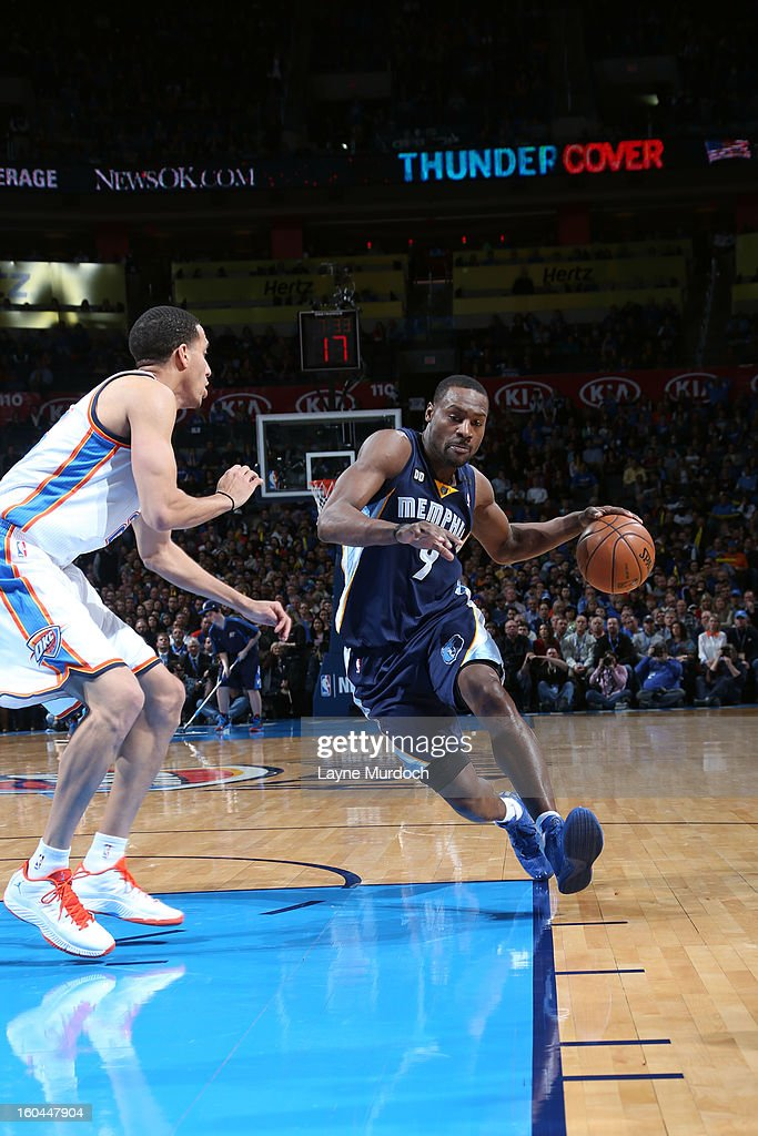 Tony Allen #9 of the Memphis Grizzlies dribbles to the basket against the Oklahoma City Thunder during an NBA game on January 31, 2013 at the Chesapeake Energy Arena in Oklahoma City, Oklahoma.