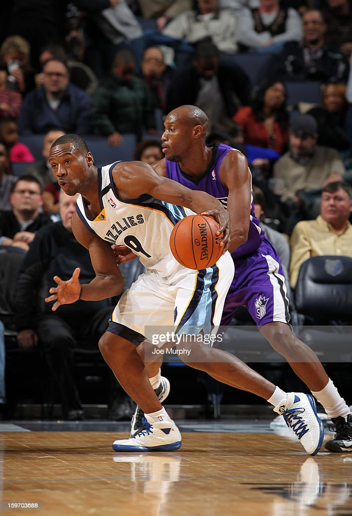 <a gi-track='captionPersonalityLinkClicked' href=/galleries/search?phrase=Tony+Allen+-+Basketball+Player&family=editorial&specificpeople=201665 ng-click='$event.stopPropagation()'>Tony Allen</a> #9 of the Memphis Grizzlies drives against <a gi-track='captionPersonalityLinkClicked' href=/galleries/search?phrase=Travis+Outlaw&family=editorial&specificpeople=203322 ng-click='$event.stopPropagation()'>Travis Outlaw</a> #25 of the Sacramento Kings on January 18, 2013 at FedExForum in Memphis, Tennessee.