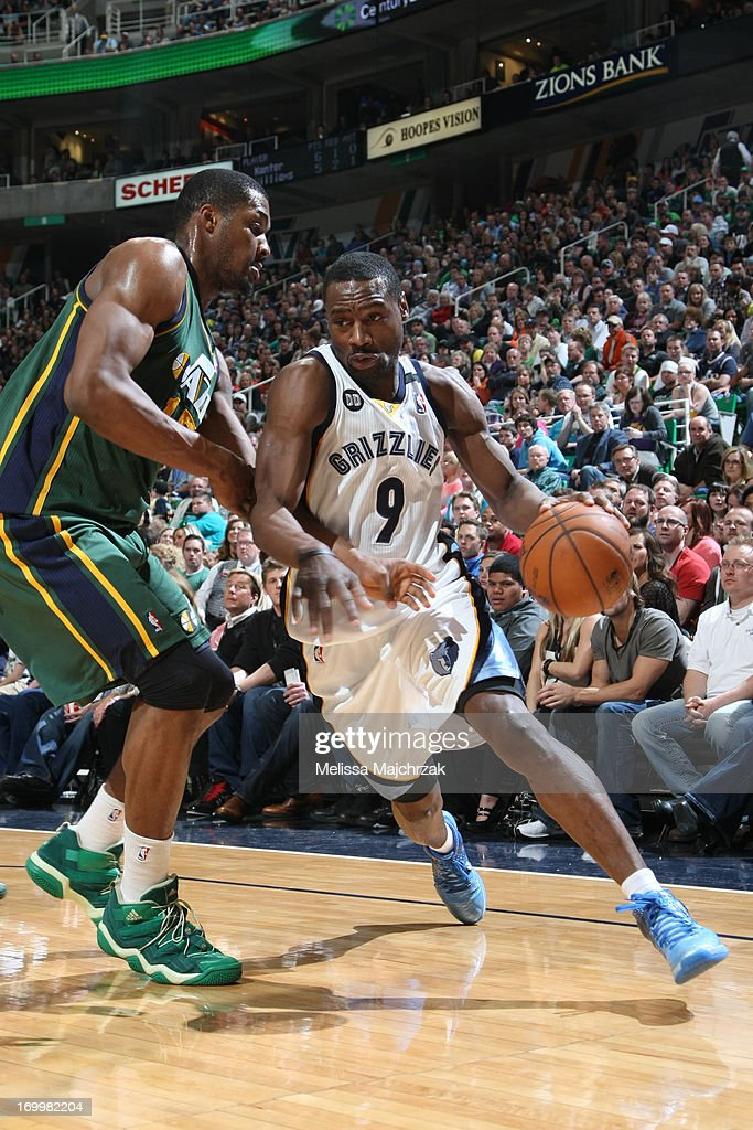 <a gi-track='captionPersonalityLinkClicked' href=/galleries/search?phrase=Tony+Allen+-+Basketball+Player&family=editorial&specificpeople=201665 ng-click='$event.stopPropagation()'>Tony Allen</a> #9 of the Memphis Grizzlies drives to the basket against <a gi-track='captionPersonalityLinkClicked' href=/galleries/search?phrase=Derrick+Favors&family=editorial&specificpeople=5792014 ng-click='$event.stopPropagation()'>Derrick Favors</a> #15 of the Utah Jazz at Energy Solutions Arena on March 16, 2013 in Salt Lake City, Utah.