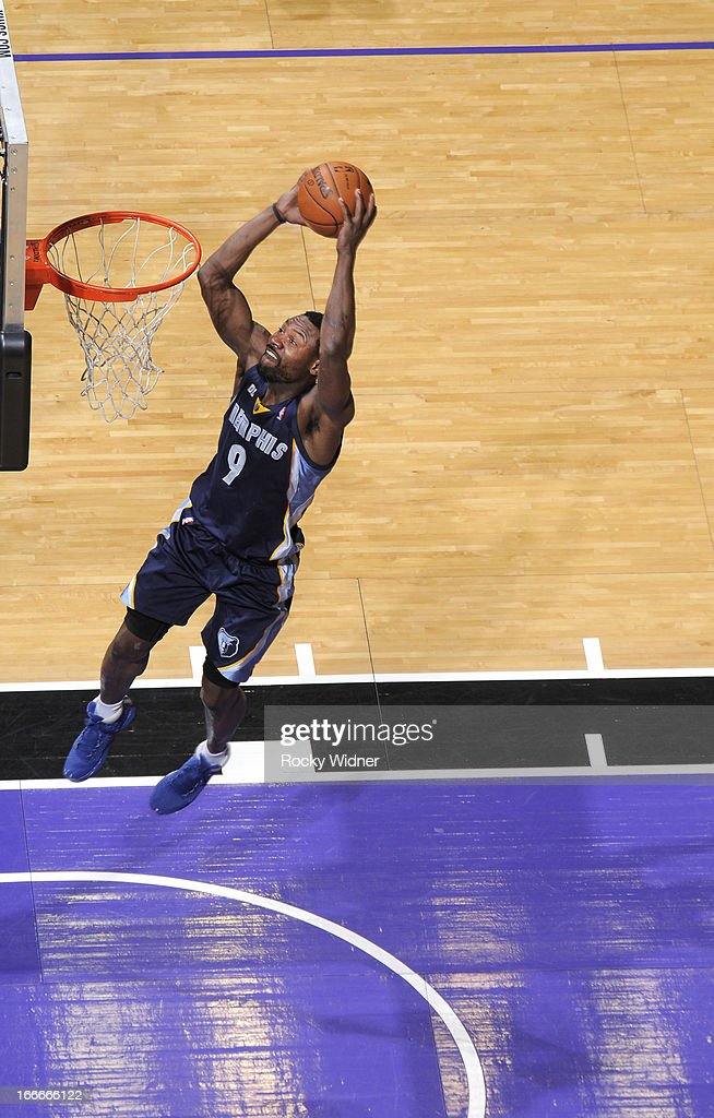 Tony Allen #9 of the Memphis Grizzlies goes up for the dunk against the Sacramento Kings on April 7, 2013 at Sleep Train Arena in Sacramento, California.