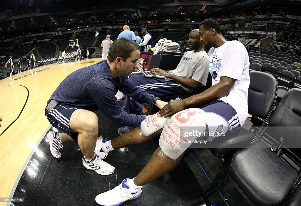 <a gi-track='captionPersonalityLinkClicked' href=/galleries/search?phrase=Tony+Allen&family=editorial&specificpeople=201665 ng-click='$event.stopPropagation()'>Tony Allen</a> #9 of the Memphis Grizzlies ices his knees after team practice during the Western Conference Finals during the 2013 NBA Playoffs on May 20, 2013 at the AT&T Center in San Antonio, Texas.