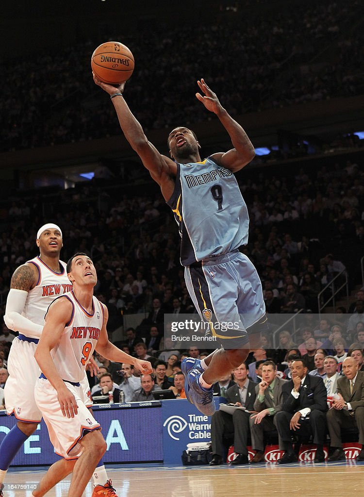 Tony Allen #9 of the Memphis Grizzlies scores two in the first quarter against the New York Knicks at Madison Square Garden on March 27, 2013 in New York City.