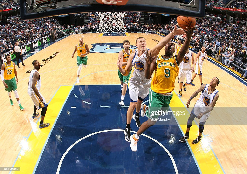 <a gi-track='captionPersonalityLinkClicked' href=/galleries/search?phrase=Tony+Allen+-+Basketball+Player&family=editorial&specificpeople=201665 ng-click='$event.stopPropagation()'>Tony Allen</a> #9 of the Memphis Grizzlies shoots a layup against <a gi-track='captionPersonalityLinkClicked' href=/galleries/search?phrase=Andris+Biedrins&family=editorial&specificpeople=204473 ng-click='$event.stopPropagation()'>Andris Biedrins</a> #15 of the Golden State Warriors on February 18, 2012 at FedExForum in Memphis, Tennessee.