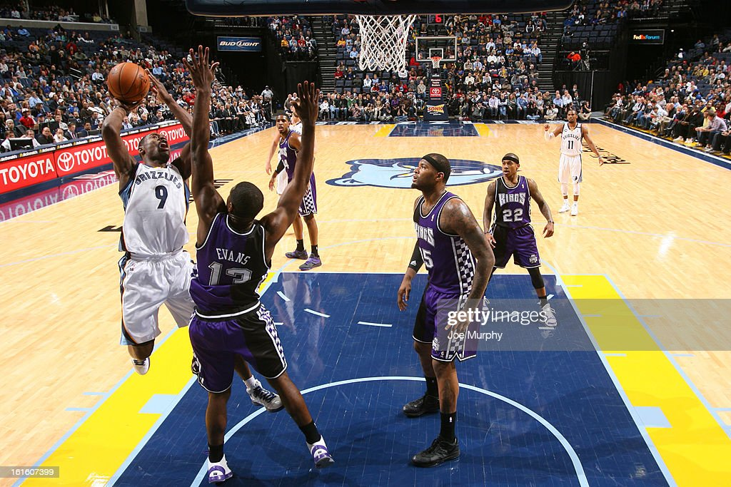 <a gi-track='captionPersonalityLinkClicked' href=/galleries/search?phrase=Tony+Allen+-+Basketball+Player&family=editorial&specificpeople=201665 ng-click='$event.stopPropagation()'>Tony Allen</a> #9 of the Memphis Grizzlies shoots against <a gi-track='captionPersonalityLinkClicked' href=/galleries/search?phrase=Tyreke+Evans&family=editorial&specificpeople=4851025 ng-click='$event.stopPropagation()'>Tyreke Evans</a> #13 of the Sacramento Kings on February 12, 2013 at FedExForum in Memphis, Tennessee.