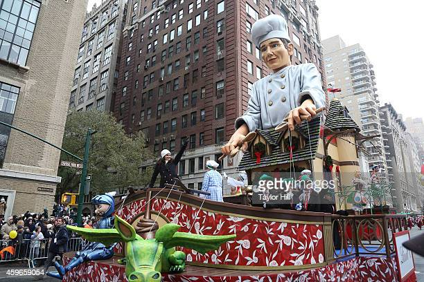 Tony Award winner and Broadway superstar Idina Menzel performs on The Enchanting World of Lindt Chocolate float at the 88th Annual Macy's...