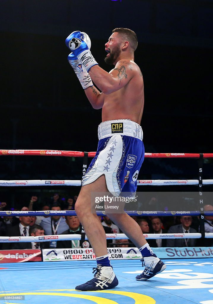 <a gi-track='captionPersonalityLinkClicked' href=/galleries/search?phrase=Tony+Bellew&family=editorial&specificpeople=2132983 ng-click='$event.stopPropagation()'>Tony Bellew</a> celebrates after stopping Illunga Makabu in the second round to win the Vacant WBC World Cruiserweight Championship fight between <a gi-track='captionPersonalityLinkClicked' href=/galleries/search?phrase=Tony+Bellew&family=editorial&specificpeople=2132983 ng-click='$event.stopPropagation()'>Tony Bellew</a> and Illunga Makabu at Goodison Park on May 29, 2016 in Liverpool, England.