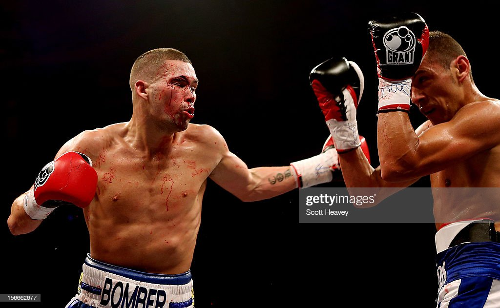 Tony Bellew (L) in action with Roberto Bolonti during their WBC World Silver Light Heavyweight Championship Fight at Nottingham Capital FM Arena on November 17, 2012 in Nottingham, England.