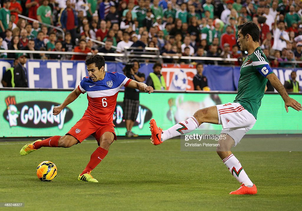 Tony Beltran of USA controls the ball during the International Friendly against Mexico at University of Phoenix Stadium on April 2 2014 in Glendale...