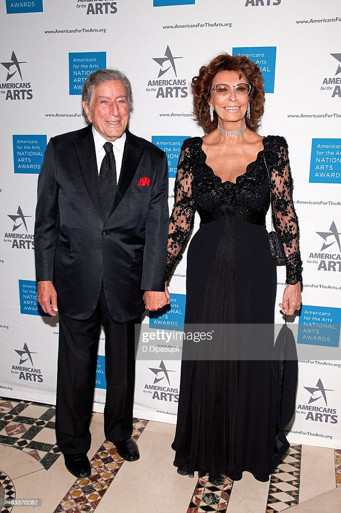 Tony Bennett (L) and Sophia Loren attend the 2015 National Arts Awards at Cipriani 42nd Street on October 19, 2015 in New York City.