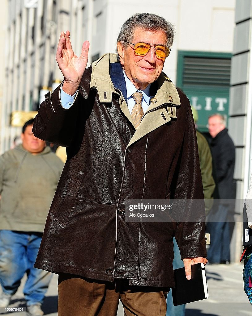 <a gi-track='captionPersonalityLinkClicked' href=/galleries/search?phrase=Tony+Bennett+-+Singer&family=editorial&specificpeople=160951 ng-click='$event.stopPropagation()'>Tony Bennett</a> is seen in Soho at Streets of Manhattan on November 26, 2012 in New York City.