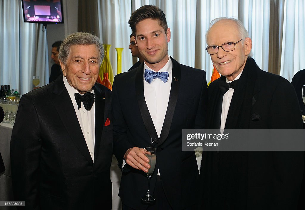 <a gi-track='captionPersonalityLinkClicked' href=/galleries/search?phrase=Tony+Bennett+-+Singer&family=editorial&specificpeople=160951 ng-click='$event.stopPropagation()'>Tony Bennett</a>, Joe McCanta, Brand Ambassador for Grey Goose and Alan Bergman pose at the Grey Goose cocktail reception of The Film Society of Lincoln Center's 40th Chaplin Award Gala at Avery Fisher Hall, Lincoln Center on April 22, 2013 in New York City.