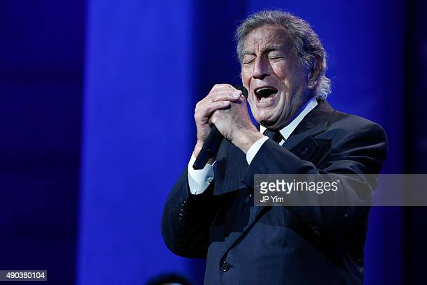 Tony Bennett performs at the Clinton Global Citizen Awards during the second day of the 2015 Clinton Global Initiative's Annual Meeting at the...