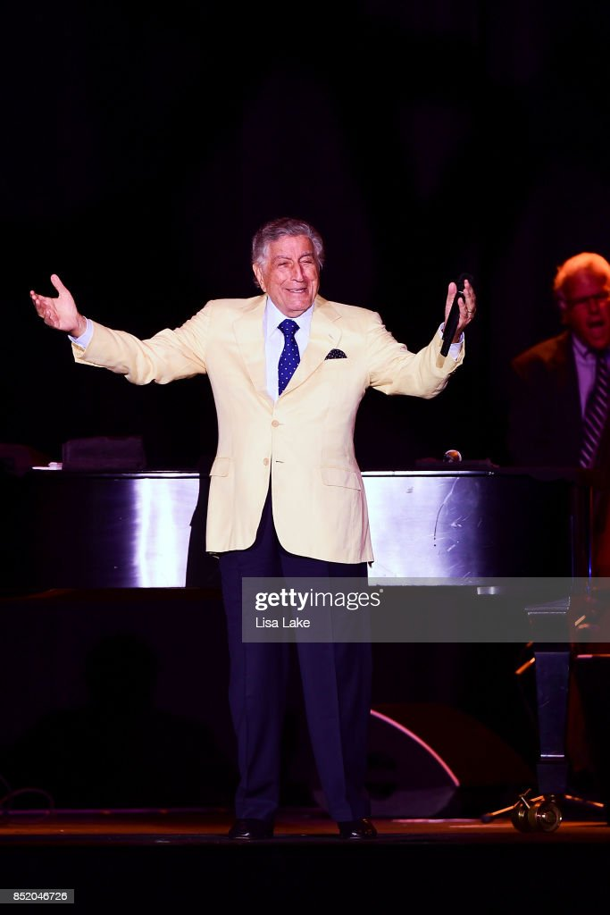 Tony Bennett performs live on stage at Sands Bethlehem Event Center on September 22, 2017 in Bethlehem, Pennsylvania.