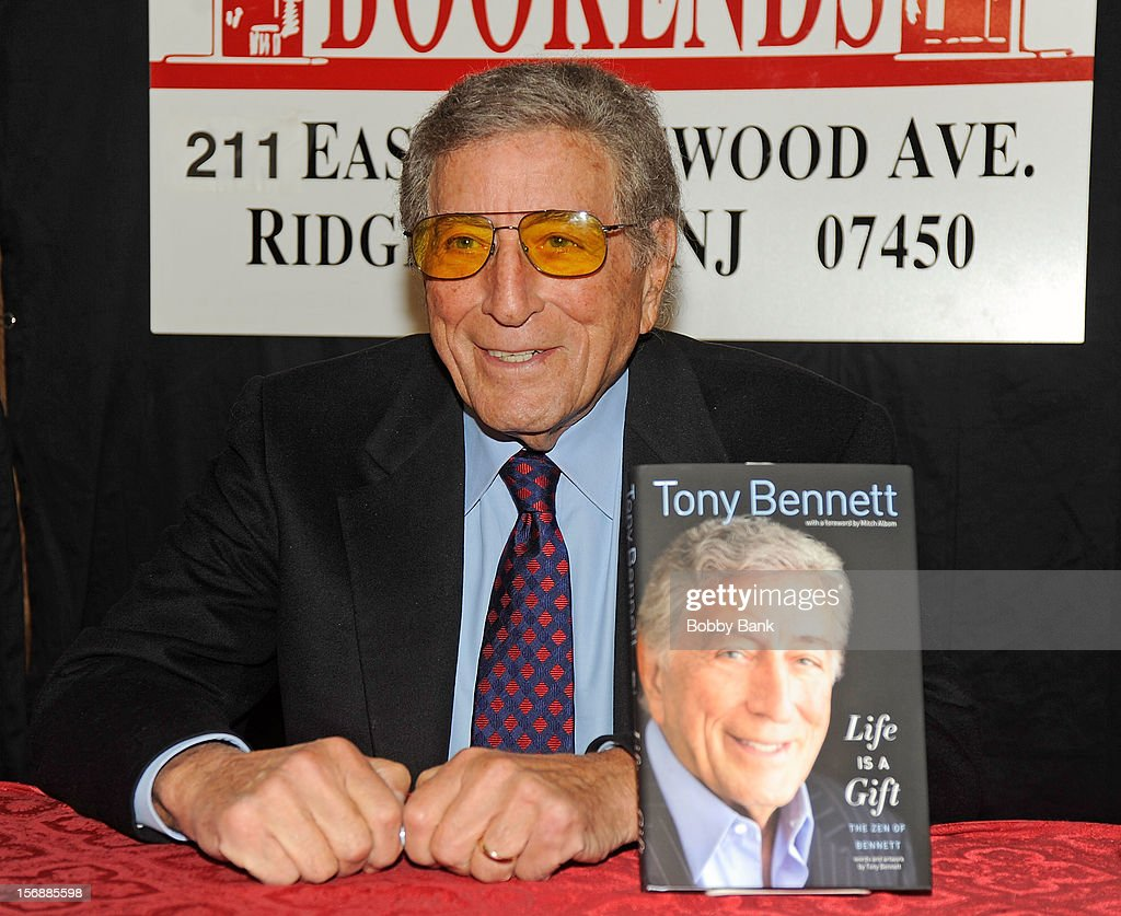 <a gi-track='captionPersonalityLinkClicked' href=/galleries/search?phrase=Tony+Bennett+-+Singer&family=editorial&specificpeople=160951 ng-click='$event.stopPropagation()'>Tony Bennett</a> promotes 'Life Is A Gift' at Bookends Bookstore on November 23, 2012 in Ridgewood, New Jersey.