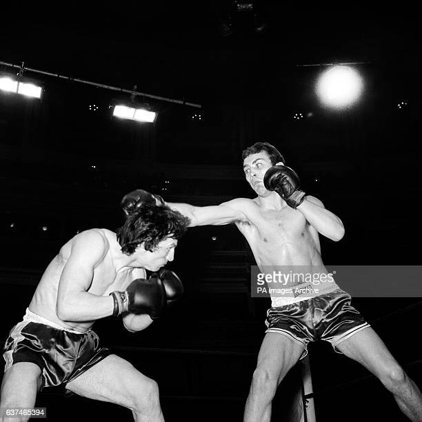 Tony Byrne moves under a right hand from Alan Minter