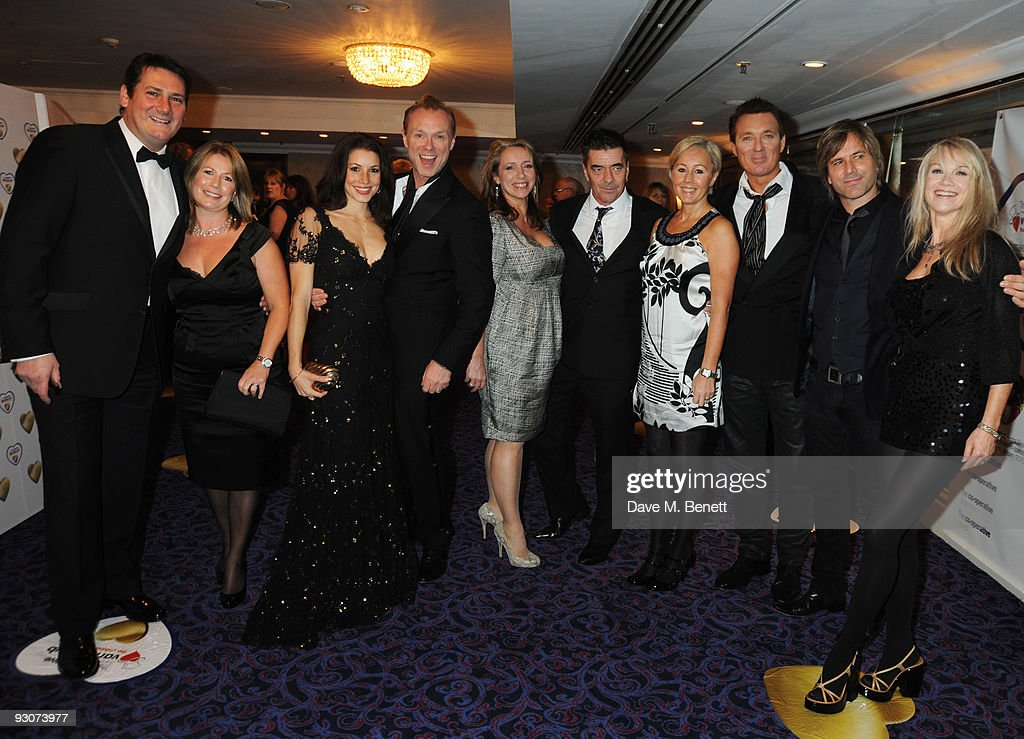 <a gi-track='captionPersonalityLinkClicked' href=/galleries/search?phrase=Tony+Hadley&family=editorial&specificpeople=214652 ng-click='$event.stopPropagation()'>Tony Hadley</a>, Lucy Kemp, <a gi-track='captionPersonalityLinkClicked' href=/galleries/search?phrase=Gary+Kemp&family=editorial&specificpeople=213076 ng-click='$event.stopPropagation()'>Gary Kemp</a>, John Keeble, Shirley Kemp, <a gi-track='captionPersonalityLinkClicked' href=/galleries/search?phrase=Martin+Kemp&family=editorial&specificpeople=213385 ng-click='$event.stopPropagation()'>Martin Kemp</a> and <a gi-track='captionPersonalityLinkClicked' href=/galleries/search?phrase=Steve+Norman&family=editorial&specificpeople=1573333 ng-click='$event.stopPropagation()'>Steve Norman</a> attend the Variety Club Showbiz Awards, at the Grosvenor House, on November 15, 2009 in London, England.