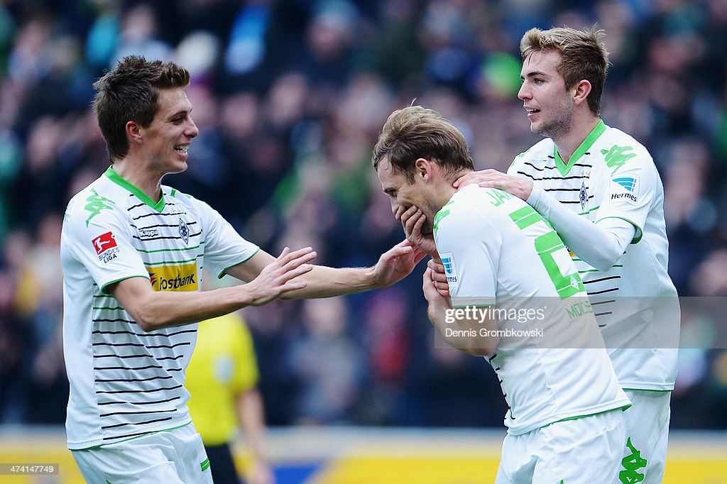 <a gi-track='captionPersonalityLinkClicked' href=/galleries/search?phrase=Tony+Jantschke&family=editorial&specificpeople=4158344 ng-click='$event.stopPropagation()'>Tony Jantschke</a> of Borussia Moenchengladbach celebrates with teammates after heading his team's second goal during the Bundesliga match between Borussia Moenchengladbach and 1899 Hoffenheim at Borussia-Park on February 22, 2014 in Moenchengladbach, Germany.