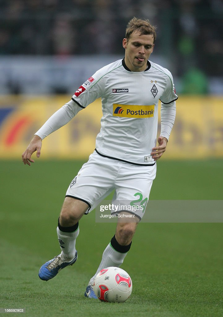 Tony Jantschke of Moenchengladbach controls the ball during the Bundesliga match between Borussia Moenchengladbach and VfB Stuttgart at Borussia Park Stadium on November 17, 2012 in Moenchengladbach, Germany.