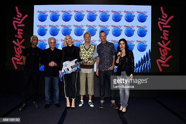 Tony Kanal Gwen Stefani Tom Dumont and Adrian Young of No Doubt pose with founder of Rock in Rio Roberto Medina and vice president of Rock in Rio...