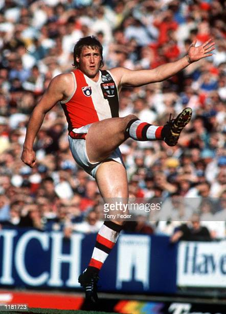 Tony Lockett for St Kilda kicks for goal at Waverley Park MelbourneVictoriaAustralia Mandatory Credit Tony Feder/ALLSPORT