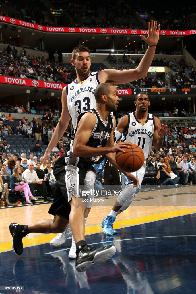 Tony Parker #9 of the San Antonio Spurs drives to the basket against the Memphis Grizzlies on April 1, 2013 at FedExForum in Memphis, Tennessee.