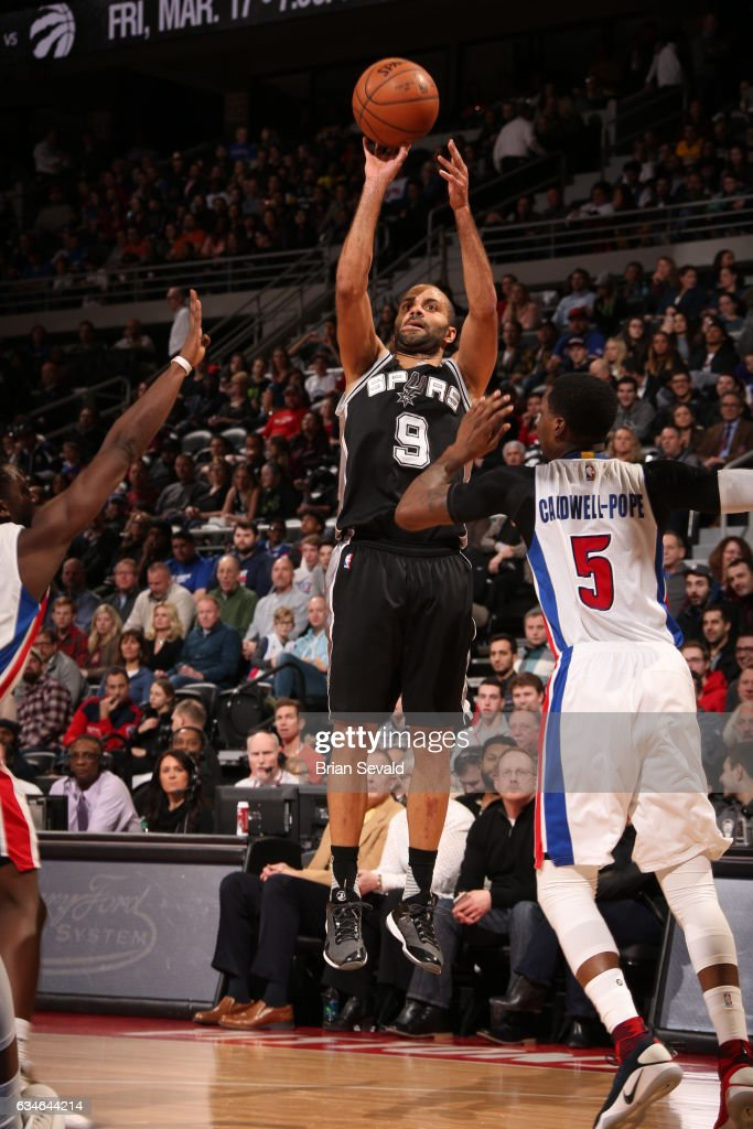 Tony Parker #9 of the San Antonio Spurs shoots the ball against the Detroit Pistons on February 10, 2017 at The Palace of Auburn Hills in Auburn Hills, Michigan.