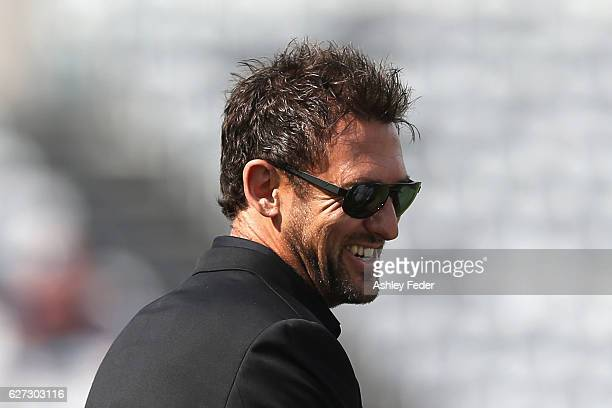 Tony Popovic coach of the Wanderers looks on during the round nine ALeague match between Central Coast Mariners and the Western Sydney Wanderers at...