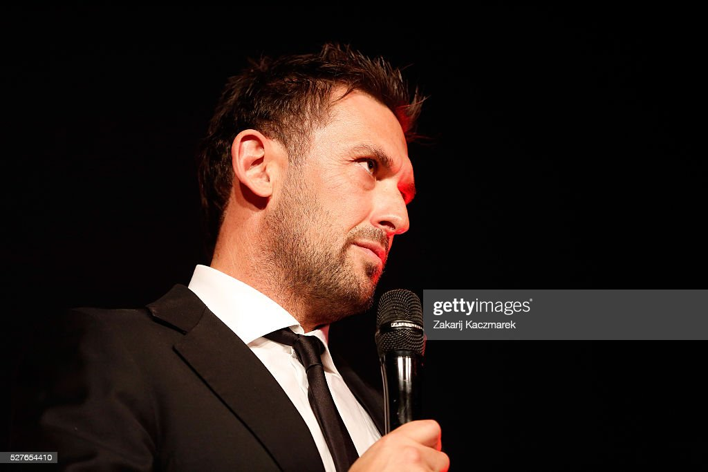 <a gi-track='captionPersonalityLinkClicked' href=/galleries/search?phrase=Tony+Popovic&family=editorial&specificpeople=213704 ng-click='$event.stopPropagation()'>Tony Popovic</a> speaks on stage during the 2016 Western Sydney Wanderers Awards at Qudos Bank Arena on May 3, 2016 in Sydney, Australia.