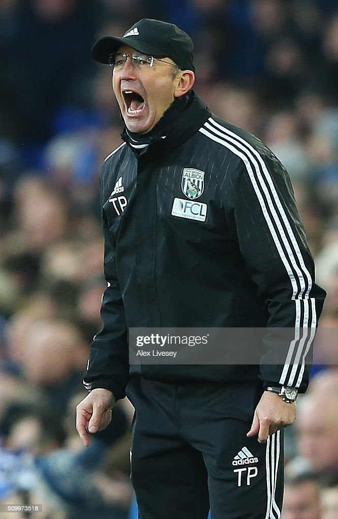 Tony Pulis manager of West Bromwich Albion gestures during the Barclays Premier League match between Everton and West Bromwich Albion at Goodison Park on February 13, 2016 in Liverpool, England.
