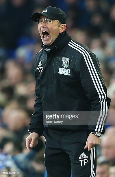 Tony Pulis manager of West Bromwich Albion gestures during the Barclays Premier League match between Everton and West Bromwich Albion at Goodison...
