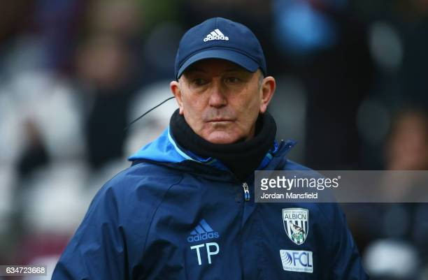 Tony Pulis Manager of West Bromwich Albion looks on during the Premier League match between West Ham United and West Bromwich Albion at London...