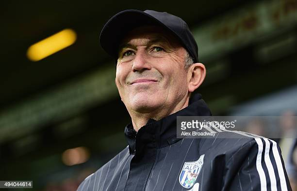 Tony Pulis manager of West Bromwich Albion looks on prior to the Barclays Premier League match between Norwich City and West Bromwich Albion at...
