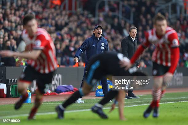 Tony Pulis Manager of West Bromwich Albion shouts during the Premier League match between Southampton and West Bromwich Albion at St Mary's Stadium...