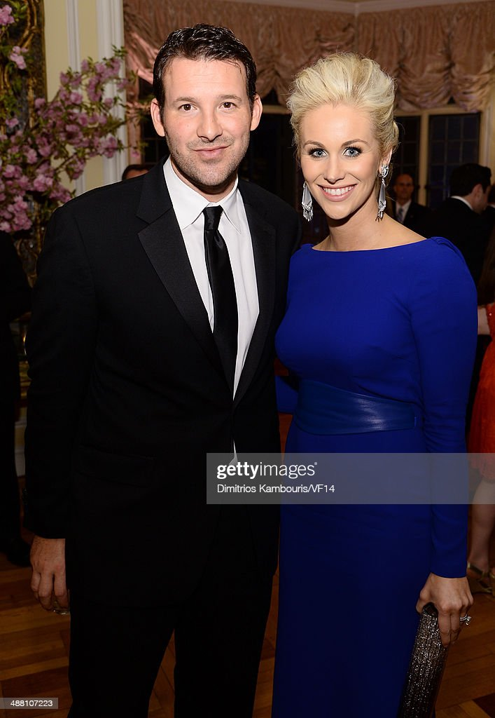 <a gi-track='captionPersonalityLinkClicked' href=/galleries/search?phrase=Tony+Romo&family=editorial&specificpeople=756503 ng-click='$event.stopPropagation()'>Tony Romo</a> (L) and <a gi-track='captionPersonalityLinkClicked' href=/galleries/search?phrase=Candice+Crawford&family=editorial&specificpeople=5127745 ng-click='$event.stopPropagation()'>Candice Crawford</a> attend the Bloomberg & Vanity Fair cocktail reception following the 2014 WHCA Dinner at Villa Firenze on May 3, 2014 in Washington, DC.
