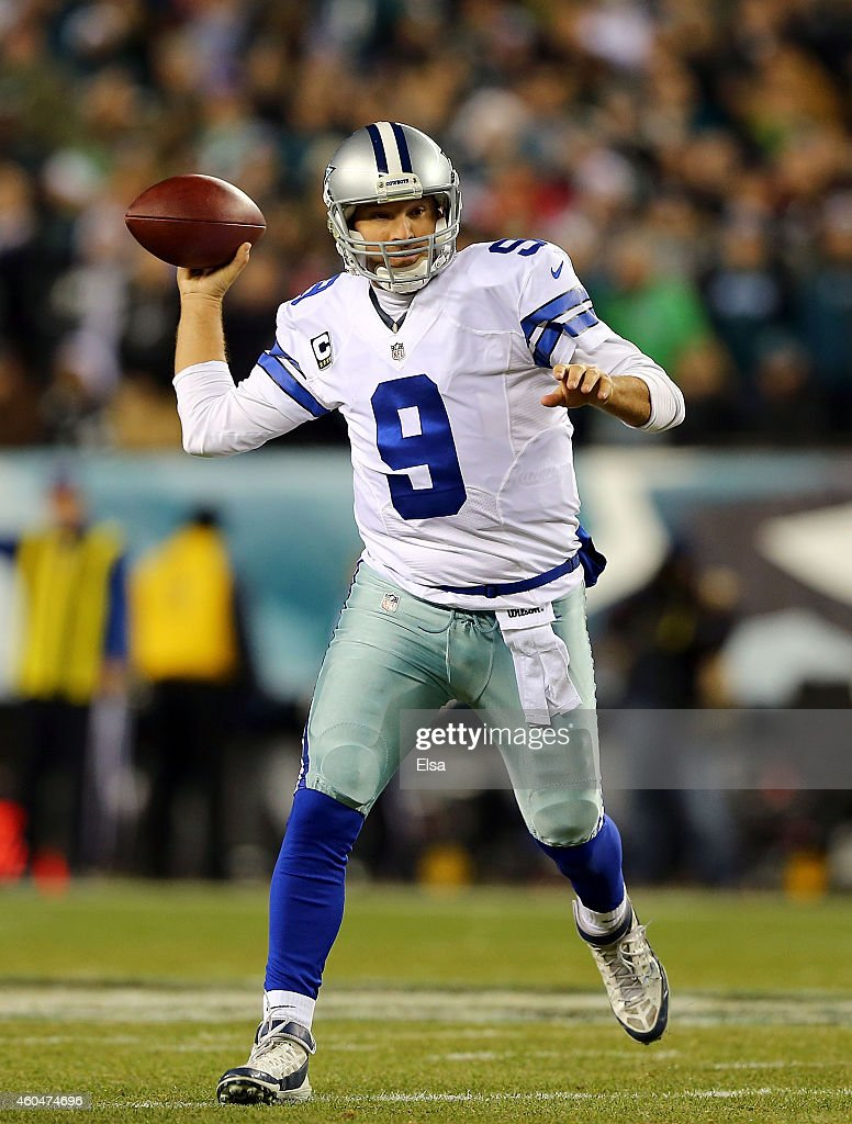 Tony Romo #9 of the Dallas Cowboys throws a pass in the first quarter against the Philadelphia Eagles at Lincoln Financial Field on December 14, 2014 in Philadelphia, Pennsylvania.