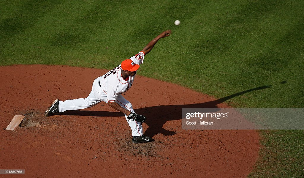 Tony Sipp #29 of the Houston Astros throws a pitch in the seventh inning of their game against the Chicago White Sox at Minute Maid Park on May 17, 2014 in Houston, Texas.