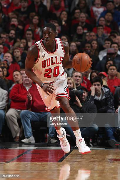 Tony Snell of the Chicago Bulls dribbles the ball against the Indiana Pacers on December 30 2015 at the United Center in Chicago Illinois NOTE TO...