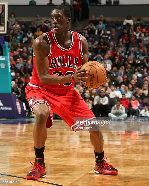 Tony Snell of the Chicago Bulls handles the ball against the Charlotte Hornets at the Time Warner Cable Arena on March 13 2015 in Charlotte North...