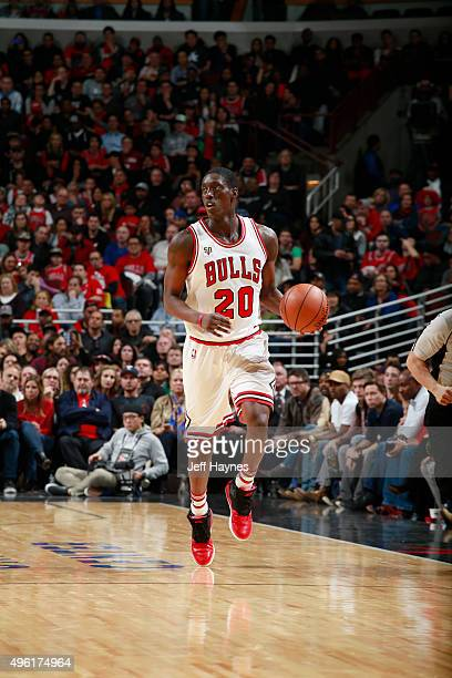 Tony Snell of the Chicago Bulls handles the ball against the Minnesota Timberwolves on November 7 2015 at the United Center in Chicago Illinois NOTE...