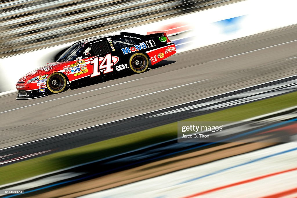 <a gi-track='captionPersonalityLinkClicked' href=/galleries/search?phrase=Tony+Stewart+-+Piloto+de+automobilismo&family=editorial&specificpeople=201686 ng-click='$event.stopPropagation()'>Tony Stewart</a>, driver of the #14 Office Depot/Mobil 1 Chevrolet, drives on track during practice for the NASCAR Sprint Cup Series AAA Texas 500 at Texas Motor Speedway on November 5, 2011 in Fort Worth, Texas.