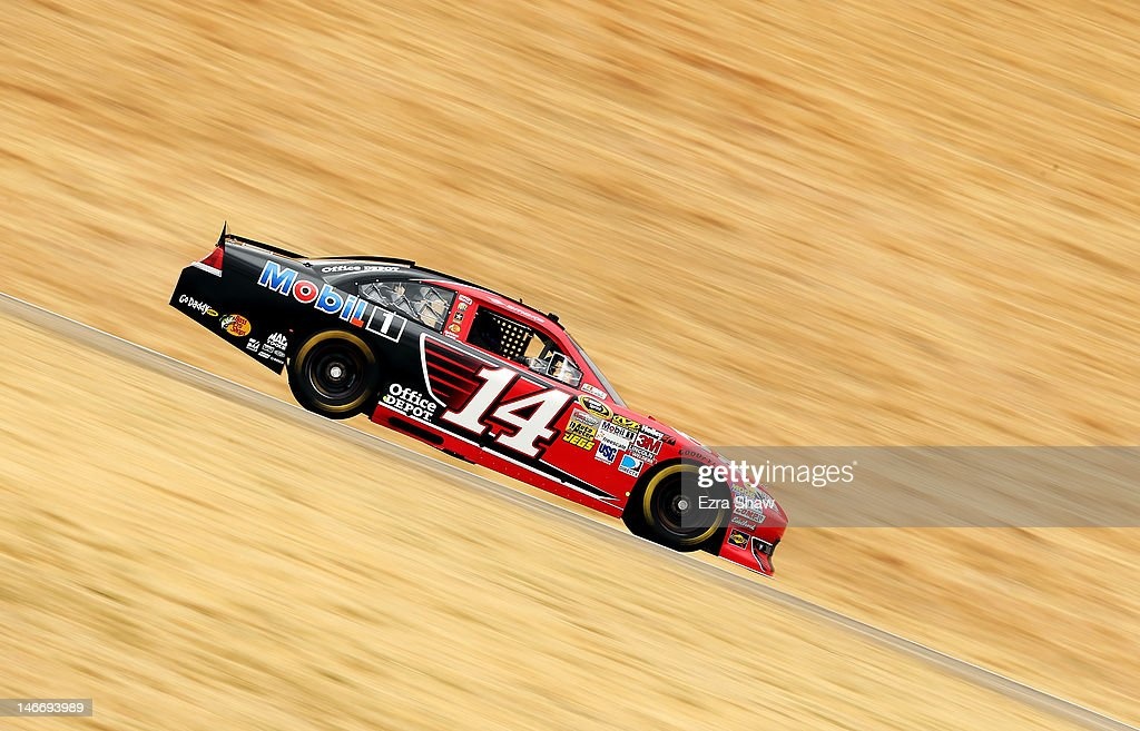 <a gi-track='captionPersonalityLinkClicked' href=/galleries/search?phrase=Tony+Stewart+-+Piloto+de+automobilismo&family=editorial&specificpeople=201686 ng-click='$event.stopPropagation()'>Tony Stewart</a> drives the #14 Office Depot/Mobil 1 Chevrolet during practice for the NASCAR Sprint Cup Series Toyota/Save Mart 350 at Sonoma on June 22, 2012 in Sonoma, California.