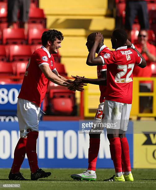 Tony Watt of Charlton Athletic celebrates scoring the opening goal with his team mates during the Sky Bet Championship match between Charlton...